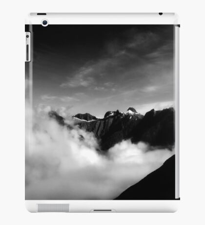 Mackinnon's Pass  iPad Case/Skin