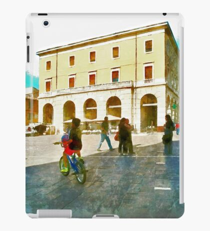 Teramo: buildings iPad Case/Skin