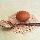 Egg and spoon by Priska Wettstein