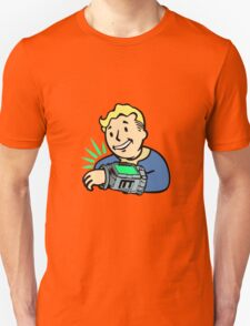Fallout | Vault Boy | Pipboy | White Background | High Quality T-Shirt