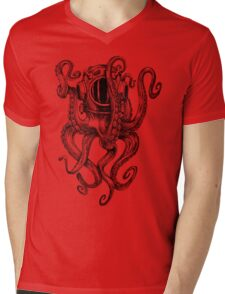 Octopus Scuba Diver Helmet Mens V-Neck T-Shirt