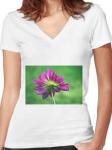 Pretty Petals Women's Fitted V-Neck T-Shirt
