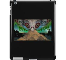 illuminati alien iPad Case/Skin