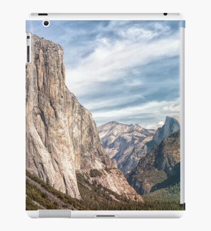 Dramatic Yosemite Valley iPad Case/Skin