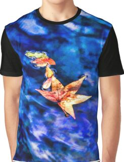Autumn leaves floating on dark blue water of Blue Spring State Park in Florida Graphic T-Shirt