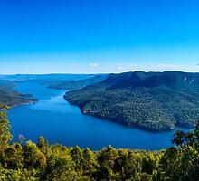 View from Burragorang Lookout by Chris  Randall
