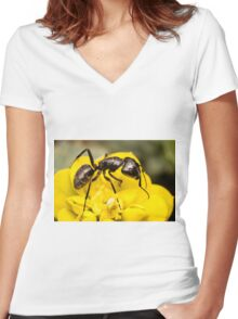 Ant close up Women's Fitted V-Neck T-Shirt
