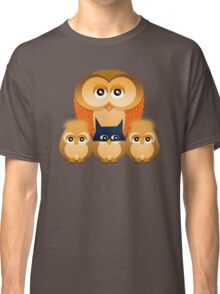 THE OWL FAMILY Classic T-Shirt