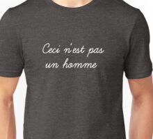 ceci n'est pas un homme (white) Unisex T-Shirt