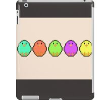 Pixel/ 8-bit Rainbow Chicks iPad Case/Skin