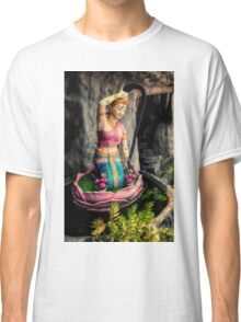 Temple Lady Statue Classic T-Shirt