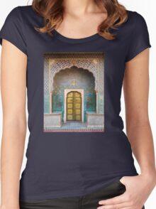 Golden Door Women's Fitted Scoop T-Shirt