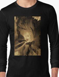 Dark flower photography in sepia Long Sleeve T-Shirt