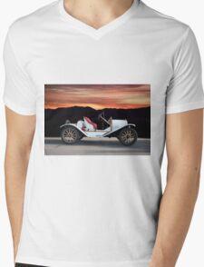 1924 Ford Model T Speedster 'Profile' Mens V-Neck T-Shirt