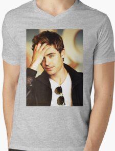 zac efron Mens V-Neck T-Shirt