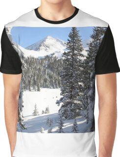Peak Peek Graphic T-Shirt