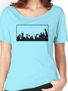 Phone Crowd Women's Relaxed Fit T-Shirt