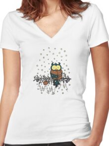 Owl in the snow v2 Women's Fitted V-Neck T-Shirt