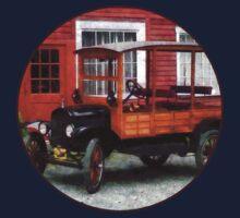 Model T Station Wagon Kids Tee