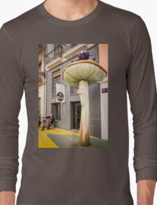 Don't look now, he's playing again Long Sleeve T-Shirt