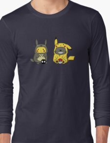Totoro and Pikachu best friends T-Shirt
