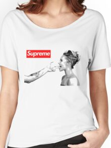 Supreme Shot Women's Relaxed Fit T-Shirt