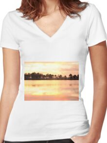 Florida Wildlife Women's Fitted V-Neck T-Shirt