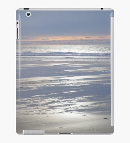 TRANQUIL SILVER BLUE CORNWALL BEACH WINTER SUNSET iPad Case/Skin