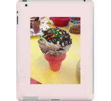 Cute cupcake microphone frosted dessert iPad Case/Skin