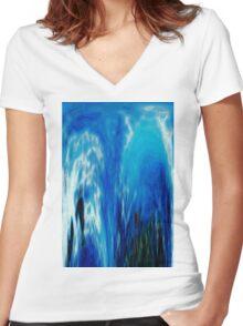 Cascade Women's Fitted V-Neck T-Shirt