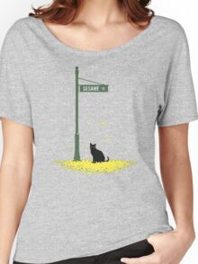 cat Women's Relaxed Fit T-Shirt