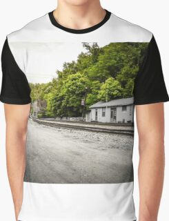 Nobody Home Graphic T-Shirt
