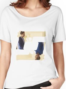 THE NIGHT MANAGER - Guns Women's Relaxed Fit T-Shirt