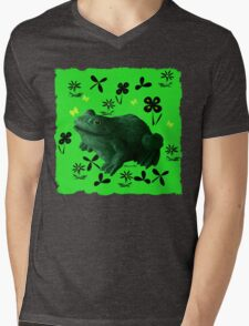 Froggy in Clover... or Shamrocks? Mens V-Neck T-Shirt