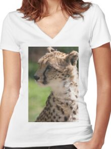 cheetah in the jungle Women's Fitted V-Neck T-Shirt