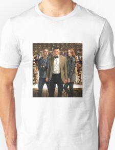 Doctor Who with Daleks Unisex T-Shirt