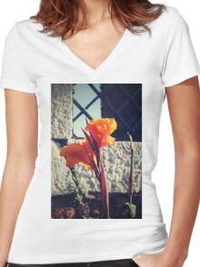 Canna indica #1 Women's Fitted V-Neck T-Shirt