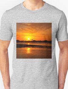 Bright gold sunset Unisex T-Shirt