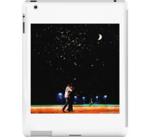 Mulder and scully baseball under the stars iPad Case/Skin