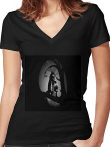 Calvin and Hobbes Horror  Women's Fitted V-Neck T-Shirt