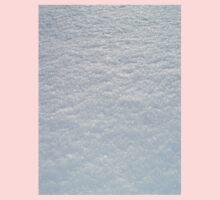 FRESH SOFT WHITE SNOW TEXTURE Kids Tee