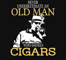 Never Underestimate An Old Man Who Smokes Cigars Unisex T-Shirt