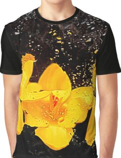 flora underwater Graphic T-Shirt