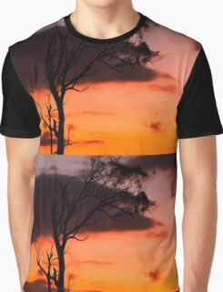 Tree silhouette in Queensland Graphic T-Shirt