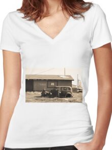 Route 66 Vintage Auto Women's Fitted V-Neck T-Shirt