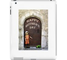 Happy Mother's Day, little girl and green frog. iPad Case/Skin