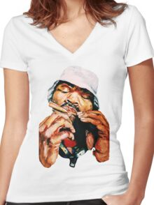 Blunted Method Man Women's Fitted V-Neck T-Shirt