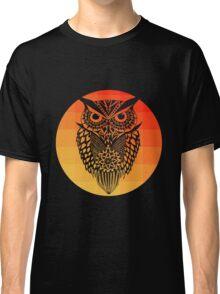 Owl orange gradient oo black bg Classic T-Shirt