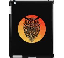 Owl orange gradient oo black bg iPad Case/Skin
