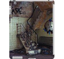 UrbanFind iPad Case/Skin